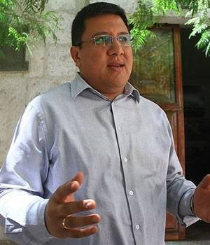 Candidato Mauricio Lindsay Chang Obezo