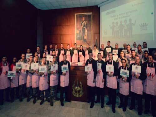 """""""Mandiles Rosados"""" por la lucha contra la violencia contra la mujer"""